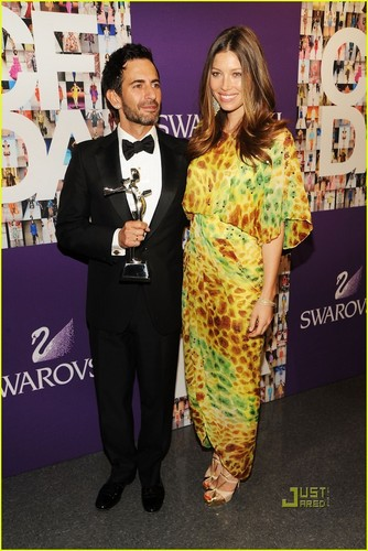 Jessica Biel: CFDA Award for Marc Jacobs!