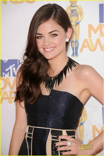 Lucy Hale@the 2010 MTV Movie Awards
