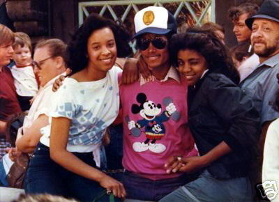 * MICHAEL WITH LUCKY GIRLS *