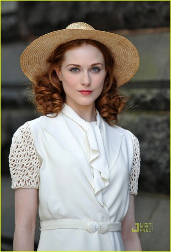 Evan Rachel Wood: 'Mildred Pierce' in Queens!
