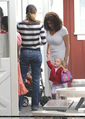 Jen and Ben Out With Their Girls!