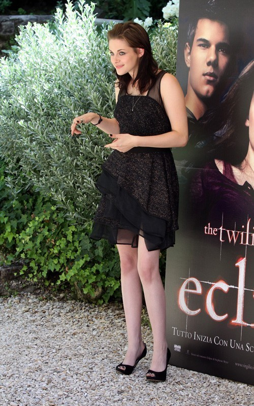 Kristen&Taylor @ Eclipse photocall - Rome - June 17, 2010