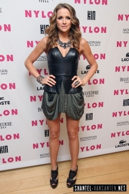 Shantel @ Nylon + Kin 音楽 Issue Party Hosted によって M.I.A.