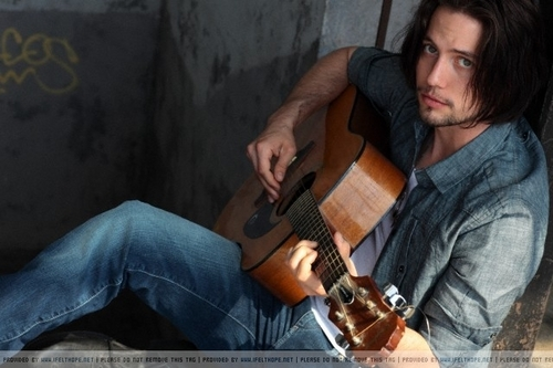 JACKSON RATHBONE > PHOTOSHOOT