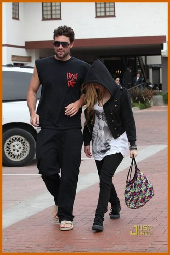 Avril Lavigne & Brody Jenner Out N About in Malibu!