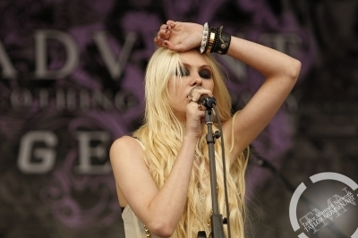 The Pretty Reckless - Vans Wrapped Tour
