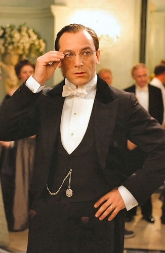 Jason Isaacs as Mr Darling