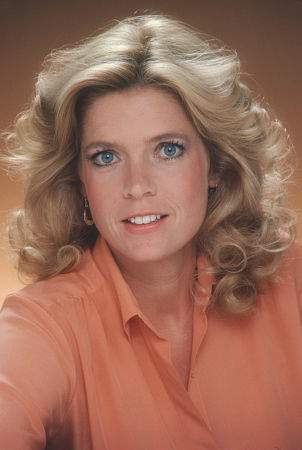 Mom, Elyse Keaton played bởi Meredith Baxter