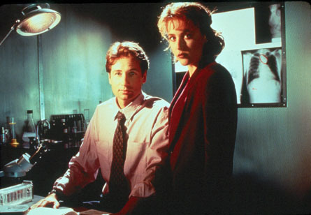 http://images2.fanpop.com/image/photos/13600000/The-X-Files-the-x-files-13610468-445-308.jpg