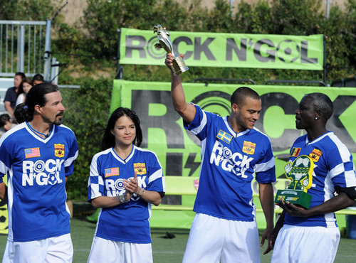 "MTV Tr3s's ""Rock N' Gol"" World Cup Kick-Off"