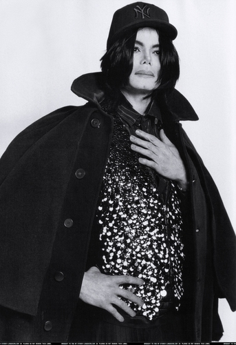 "Michael Jackson - ""L'uomo Vogue"" October 2007"