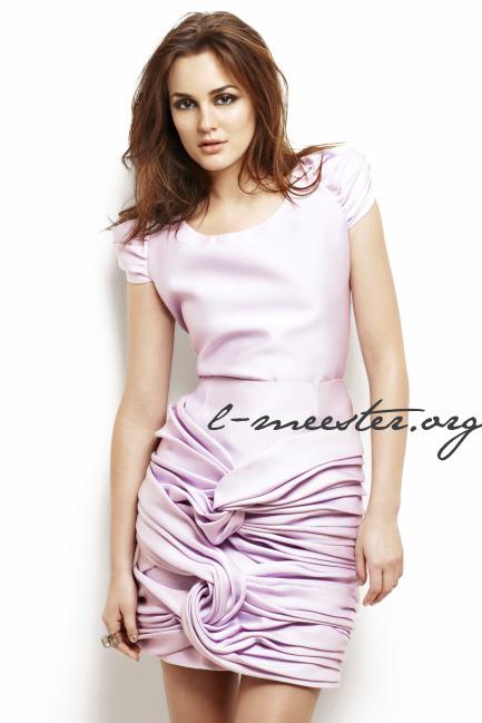 http://images2.fanpop.com/image/photos/13900000/Leighton-Meester-Glamour-US-Photoshoot-leighton-meester-13942039-433-649.jpg