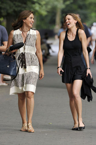 Mariska and Hilary swank