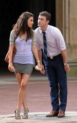 "Mila & Justin on set ""Friends with Beneifits"""