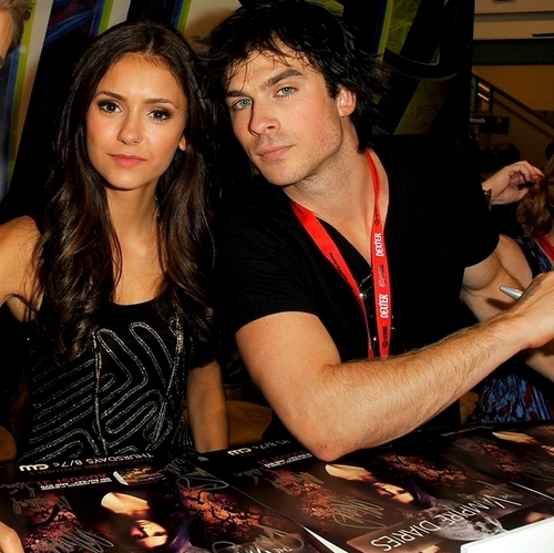 Comic Con The Vampire Diaries Ian & Nina