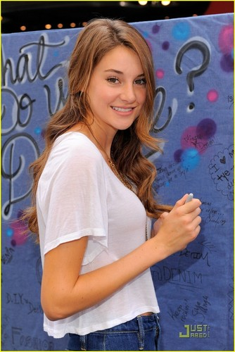 "Shailene Woodley// ""Declare Your Denim"" (2010)"