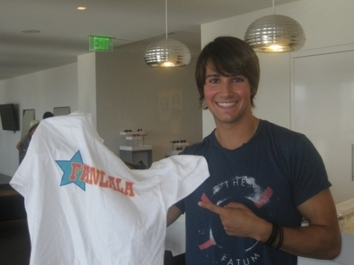 James: Look at My Fanala T-Shirt!!