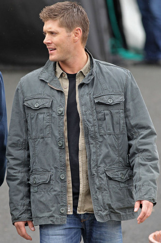 """Supernatural"" Cast on Set"