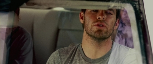"Chris Pine in ""Carriers"""