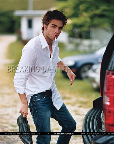 Better Quality Pic of Robert Pattinson in Vanity Fair