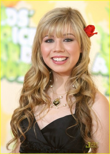 Jennette McCurdy at Kids Choice Awards