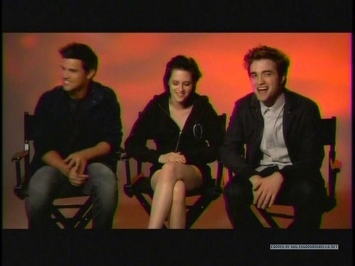 Screencaps of Robsten and taylor from the 엠티비 Ulalume Promo spot