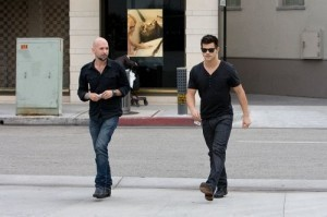 Taylor Lautner looks good lookin' bad