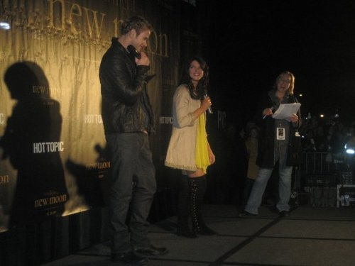 KELLAN AND ASHLEY IN TOPIC TOUR NEW MOON IN SAN FRANCISCO