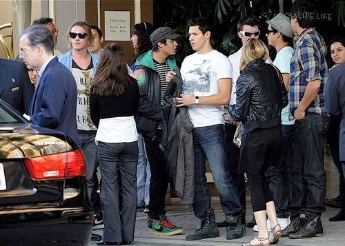 New Moon cast outside of their hotel in Los Angeles