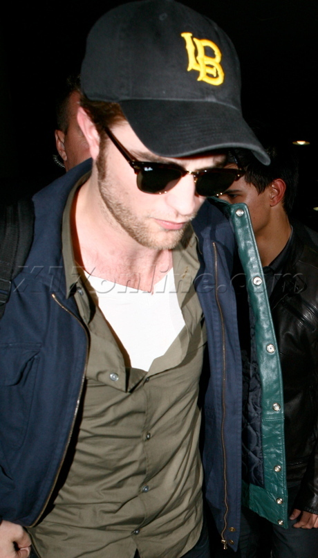 The Twilight Trinity (Kristen, Robert, & Taylor) & Chris Weitz Leaving LA