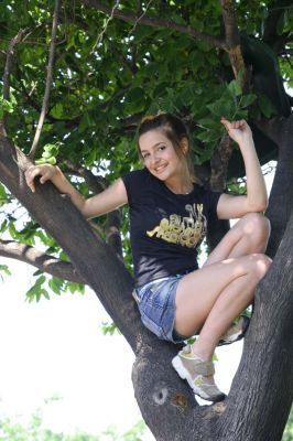 http://images2.fanpop.com/image/photos/8900000/patitooo-patito-feo-argentina-8952191-266-400.jpg