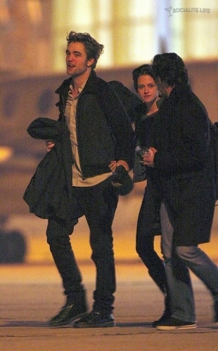 Rob and Kristen getting on private jet