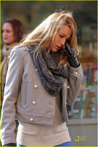 Blake on Gossip Girl set 11/18/09