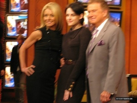 KRISTEN STEWART VISITS JIMMY FALLON AND REGIS & KELLY - 11/18/09