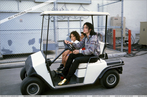 Picture of the moment at MJJPICS.com