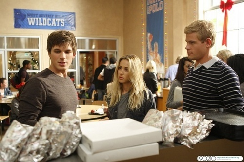Winter Wonderland (2.12 ) - zaidi Stills!