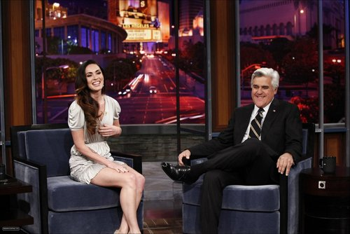 Megan on The geai, jay Leno montrer