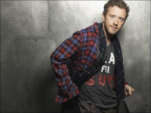 TJ Thyne- 狐, フォックス Winter Edition photoshoot