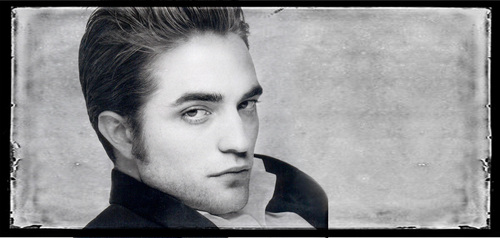 rob- close-up picspam