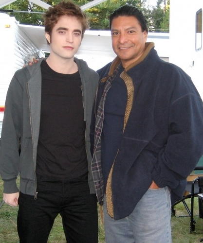 Eclipse Vancouver Set Pic – Robert Pattinson and Gil Birmingham!