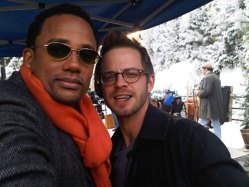 http://images2.fanpop.com/image/photos/9700000/Hawkes-Danny-614-behind-the-scene-csi-ny-9766608-500-375.jpg