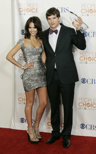 Jessica @ 2010 People's Choice Awards