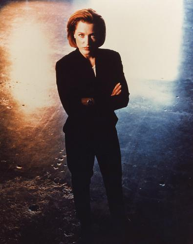http://images2.fanpop.com/image/photos/9700000/Scully-Promos-the-x-files-9731334-395-500.jpg