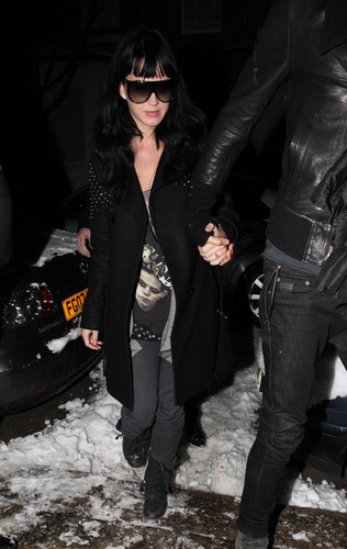 Russell and Katy arriving in London (Jan 9th)
