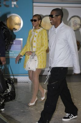 Beyoncé and eichelhäher, jay Z at Heathrow