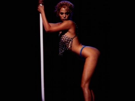 http://images2.fanpop.com/images/photos/2700000/Showgirls-hollywood-call-girls-2755630-462-347.jpg