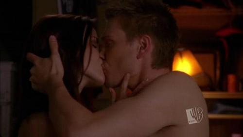 lucas brooke kiss