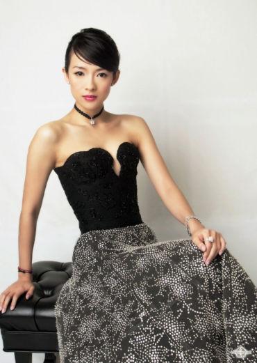http://images2.fanpop.com/images/photos/3000000/Zhang-Ziyi-zhang-ziyi-3034017-370-521.jpg