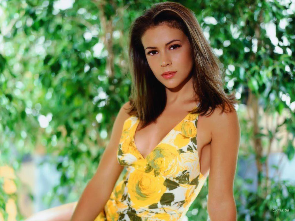 Alyssa Milano Movie Scenes how alyssa milano 'charmed' her way into our hearts - sports