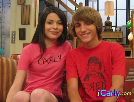 Carly and ফ্রেড